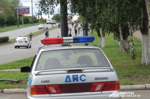 Женщина-водитель пострадала в ДТП, врезавшись в дерево