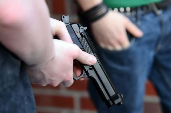 Нижегородского подростка осудили за выстрелы по стеклам электрички