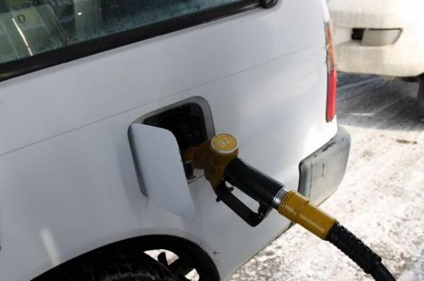 В Нижнем экс-сотрудника МВД и его семью осудили за махинации с топливом