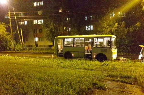 В Нижнем Новгороде водитель маршрутки насмерть сбил велосипедиста
