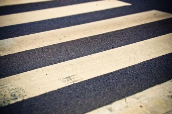 Женщина пострадала под колесами иномарки на Большой Покровской
