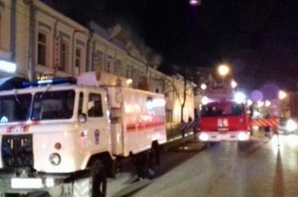 В Нижнем Новгороде тушат крупный пожар в административном здании