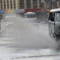 В Нижнем Новгороде устраняют последствия сильного ливня
