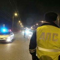 Три человека пострадали при столкновении Mercedes с трактором