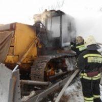 Бульдозер загорелся из-за неосторожного обращения с огнем в Нижнем