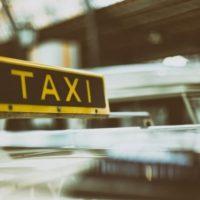 Очевидцы: таксисты устроили массовую драку в Нижнем Новгороде