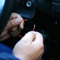16-летнего подростка арестовали за шесть угонов автомобилей