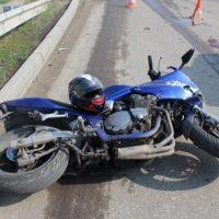 Мотоциклист погиб под колесами автомобиля на проспекте Гагарина