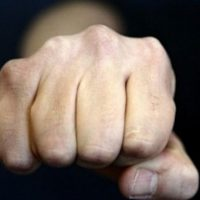 В Нижнем Новгороде полицейского уволили из органов после избиения подруги