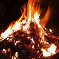 В Нижегородской области девушка получила ожоги, разжигая костер