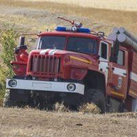 Женщина пострадала при пожаре в доме в поселке Ильиногорск