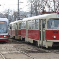 Неизвестные обстреляли трамвай на улице Смирнова в Нижнем