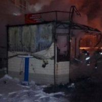 В Нижнем Новгороде при пожаре в киоске продавец получил ожоги