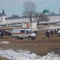 В Лысковском районе двое мужчин на снегоходе провалились под лед