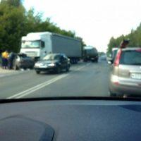Под Нижним Новгородом столкнулись фура и два автомобиля