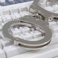 Прокуратура требует закрыть 21 сайт по продаже алкоголя