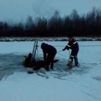 Опубликованы фото с озера в Нижнем, где утонула машина с людьми