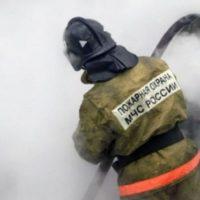 Фронтальный погрузчик сгорел на улице Баррикад в Нижнем Новгороде