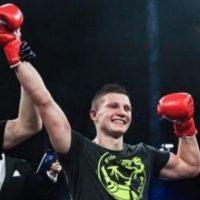 Александр Скворцов защитил титул чемпиона мира по кикбоксингу