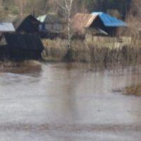 Придомовые территории в поселке Вахтан освободились от воды