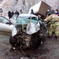 В Нижегородской области водитель Seat погиб, врезавшись в грузовик