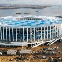 На стадионе к ЧМ в Нижнем Новгороде начали монтировать фасад