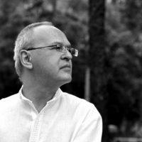 20 апреля  в Белом зале НГОУНБ состоится творческая встреча с российским поэтом  Евгением Чигриным