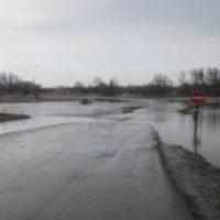 В Борском районе затопило низководный мост через реку Линда