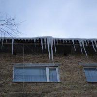 Опасность с небес. Почему в Нижнем Новгорода на ребенка упала наледь