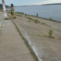 В Нижнем Новгороде на Гребном канале BMW упал в воду