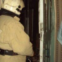 Пенсионерку спасли пожарные из горящей квартиры на проспекте Ленина