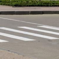 Мужчина погиб под колесами иномарки на улице Минина
