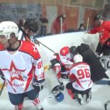 Настоящие мужчины. Как тренер спас жизнь хоккеиста во время матча