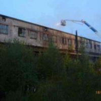 Крупный пожар уничтожил крышу здания в Починковском районе