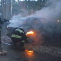 В Канавинском районе Нижнего Новгорода обгорели три автомобиля