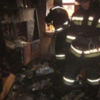 Огонь уничтожил частный жилой дом и дворовые постройки в Городце