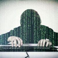 Группу кибермошенников осудят за хищение 5 млн с банковских счетов