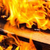 Двухлетний мальчик пострадал при пожаре в Воскресенском районе