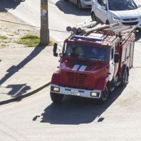 Крупный пожар уничтожил массив сараев в Выксе