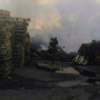 В Нижнем Новгороде произошел пожар на складе с поддонами