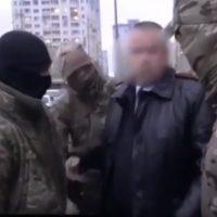 Опубликовано видео задержания кадровика нижегородской полиции