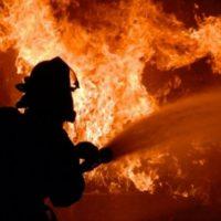 Комбайн загорелся во время работы в поле в Перевозском районе