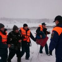 На Горьковском море спасли провалившегося под лед рыбака